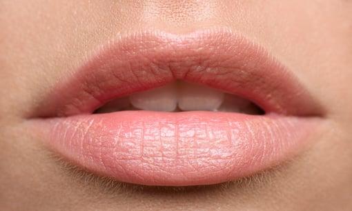 Capri Academy lips tinting